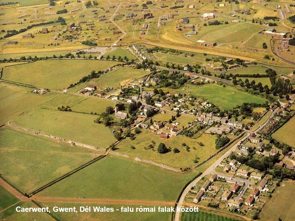 Caerwent, Gwent, Dél Wales - falu római falak között