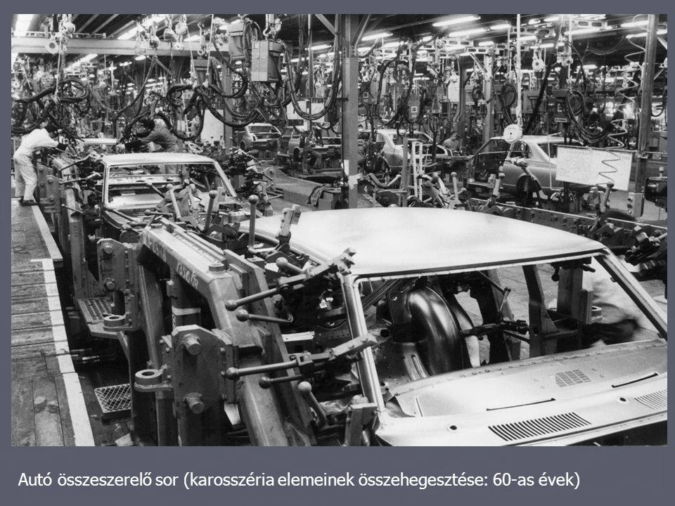 Autó összeszerelő sor (karosszéria elemeinek összehegesztése: 60-as évek)