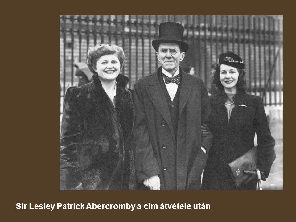 Sir Lesley Patrick Abercromby a cím átvétele után