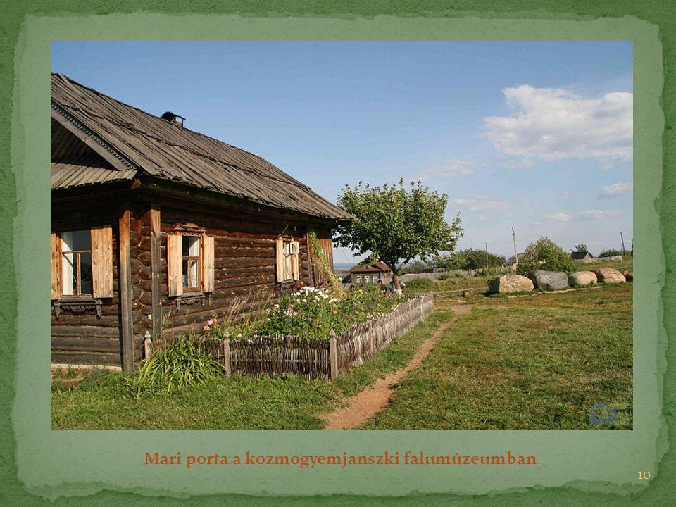 Mari porta a kozmogyemjanszki falumúzeumban