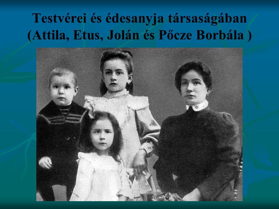 Testvérei és édesanyja társaságában (Attila, Etus, Jolán és Pőcze Borbála )