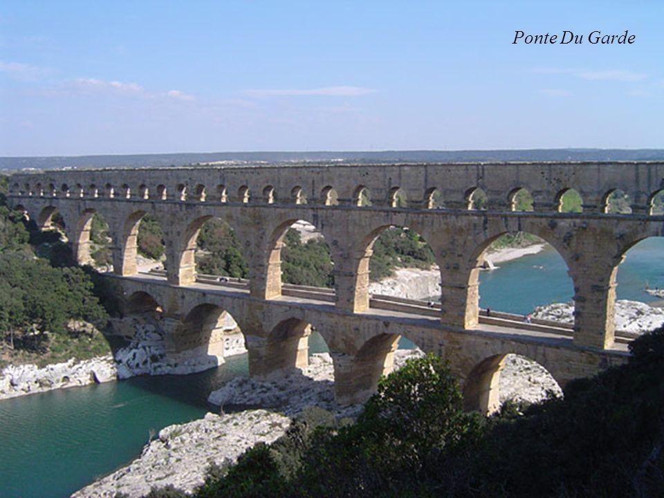 Ponte Du Garde