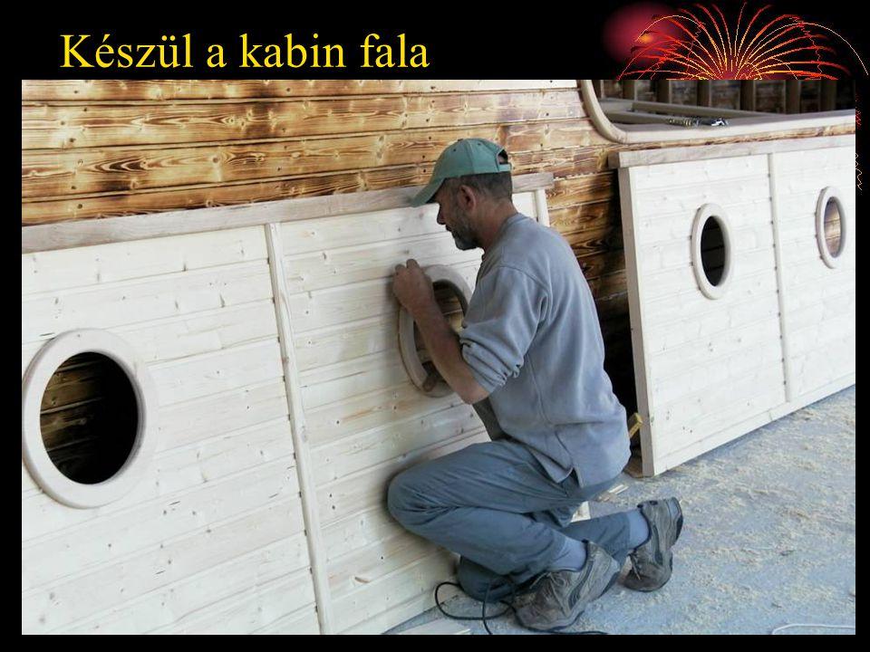 Készül a kabin fala