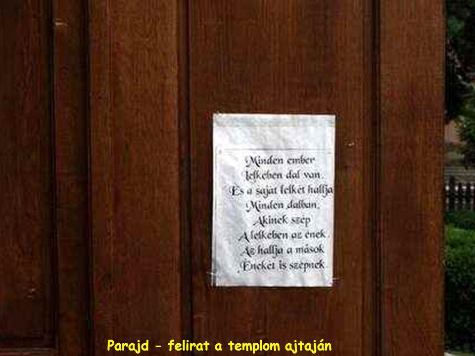 Parajd - felirat a templom ajtaján