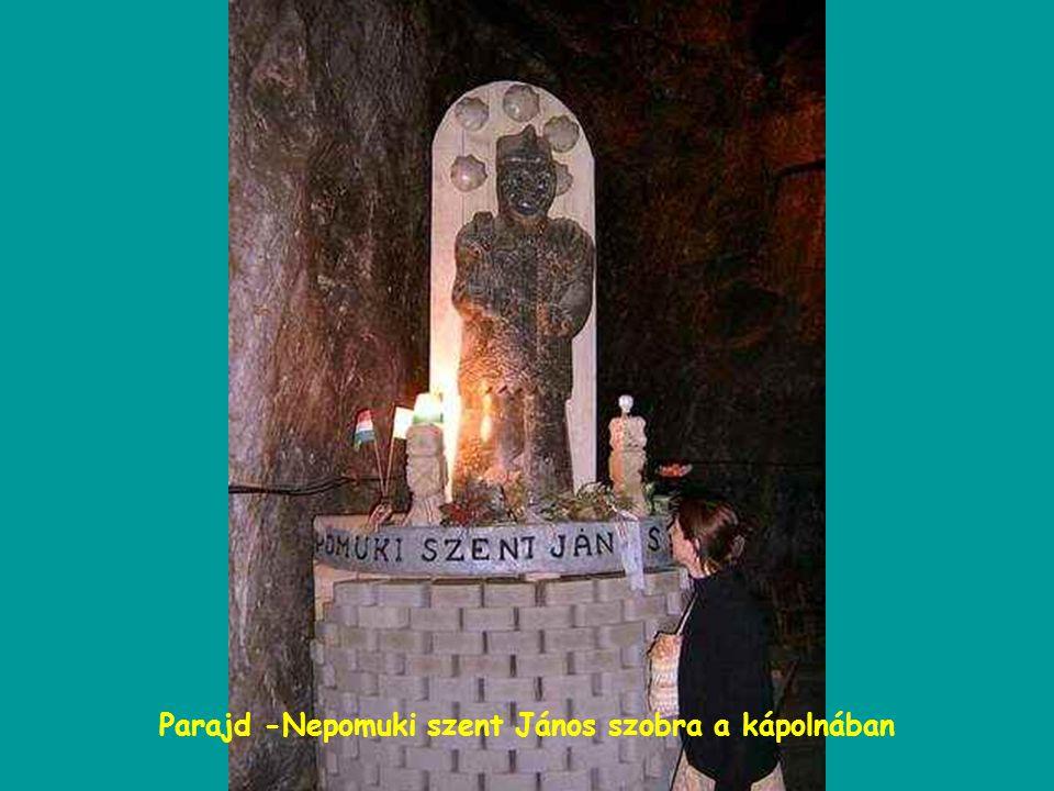Parajd -Nepomuki szent János szobra a kápolnában