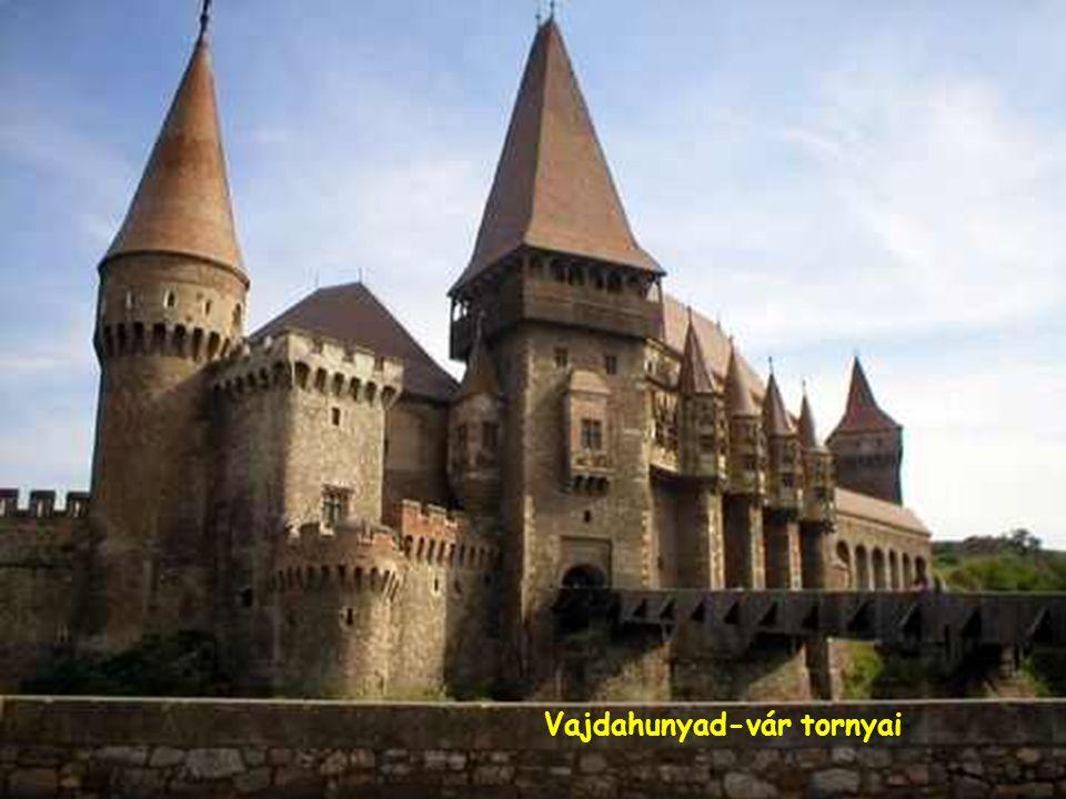 Vajdahunyad-vár tornyai