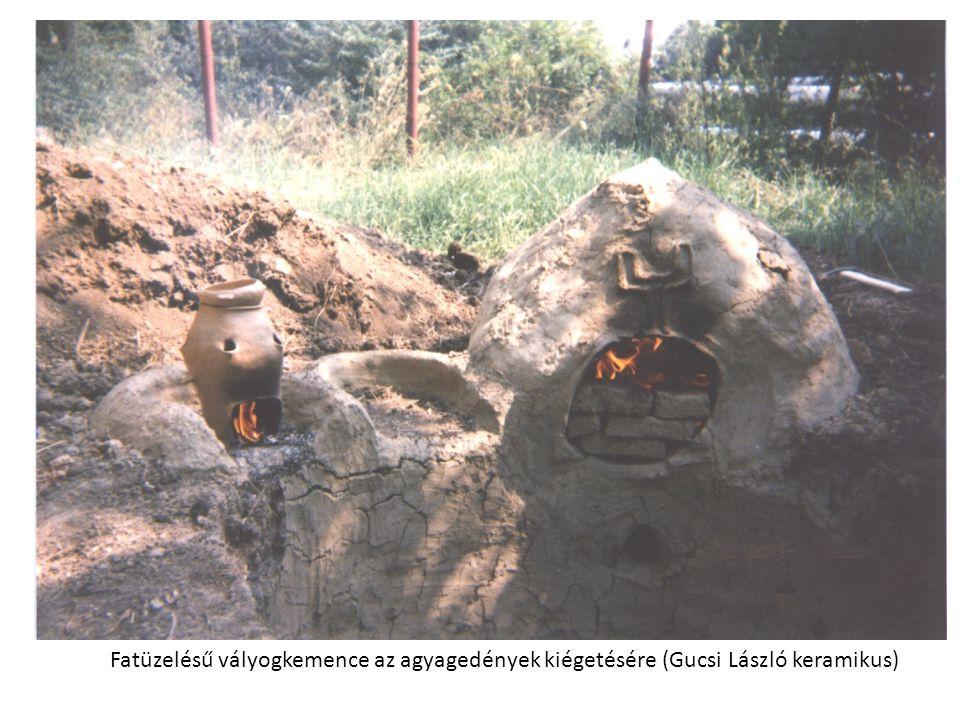 Fatüzelésű vályogkemence az agyagedények kiégetésére (Gucsi László keramikus)