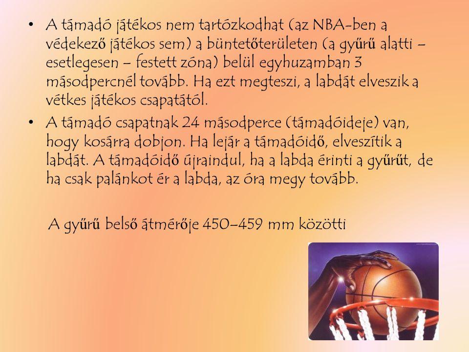 A támadó játékos nem tartózkodhat (az NBA-ben a védekező játékos sem) a büntetőterületen (a gyűrű alatti – esetlegesen – festett zóna) belül egyhuzamban 3 másodpercnél tovább. Ha ezt megteszi, a labdát elveszik a vétkes játékos csapatától.
