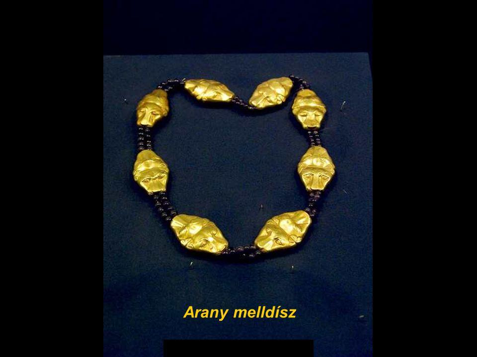 Gold pectoral Arany melldísz