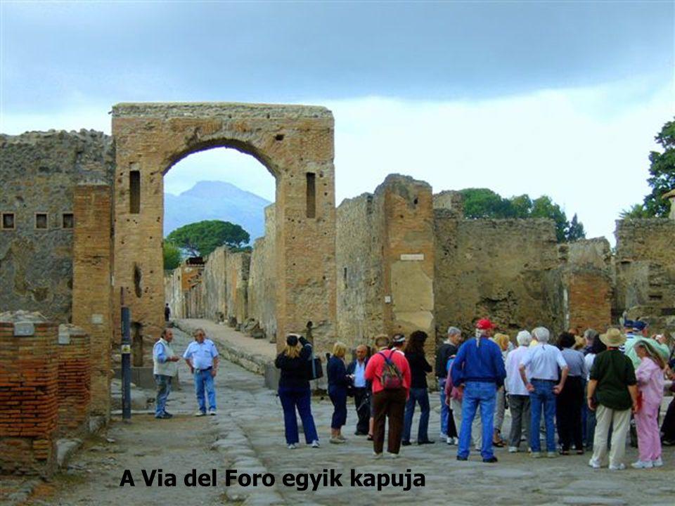 A Via del Foro egyik kapuja