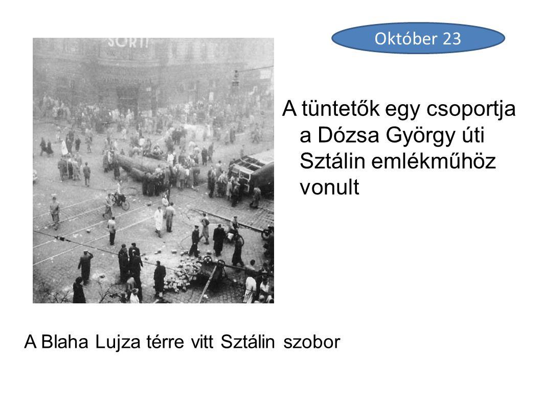 A Blaha Lujza térre vitt Sztálin szobor