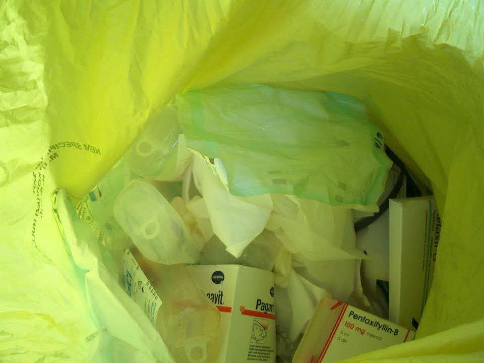 Veszélyes hulladék Önmaga vagy bármely bomlásterméke,