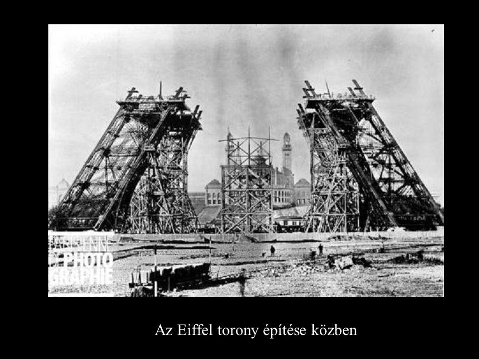 Az Eiffel torony építése közben