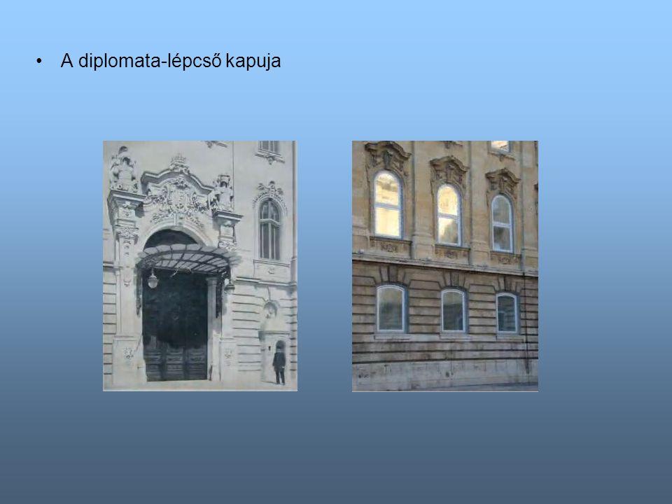 A diplomata-lépcső kapuja