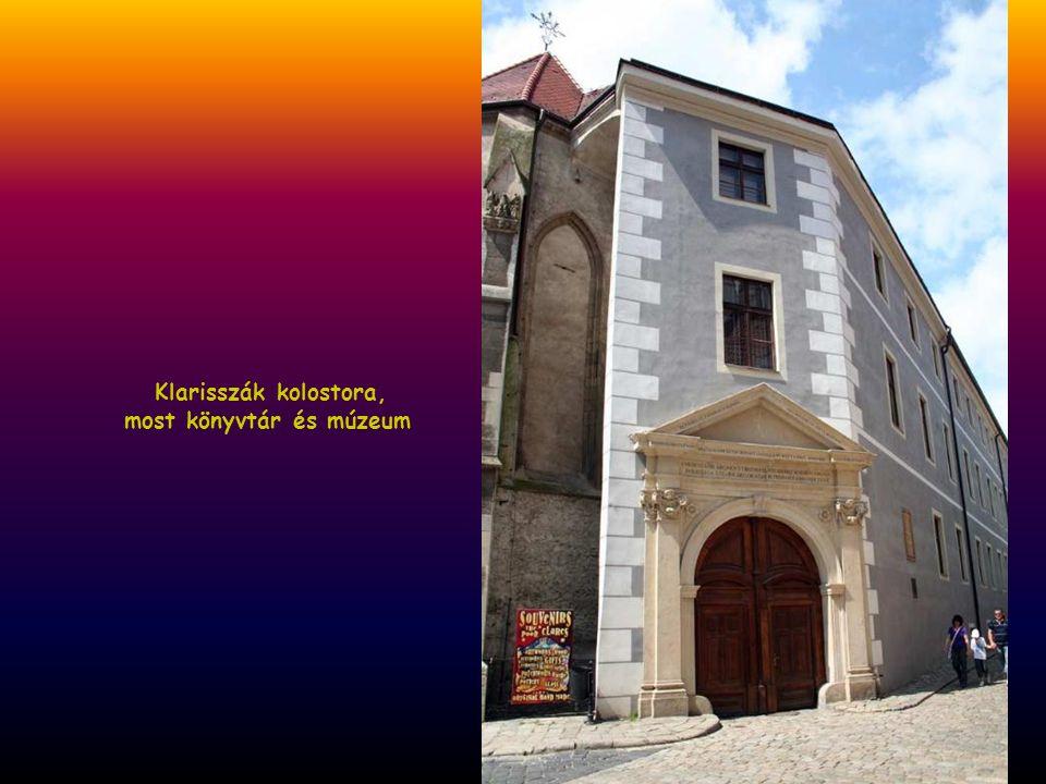 Klarisszák kolostora, most könyvtár és múzeum
