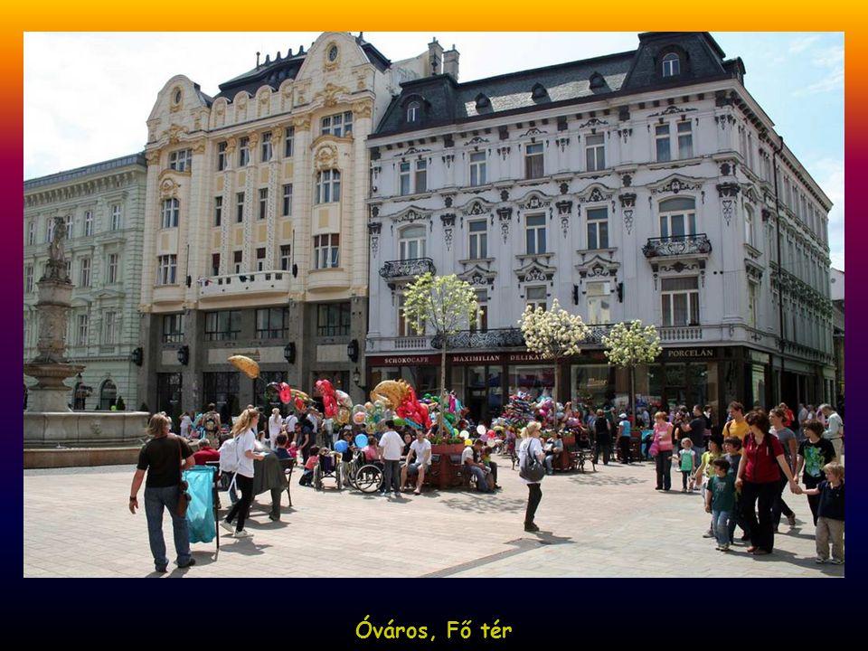 Óváros, Fő tér