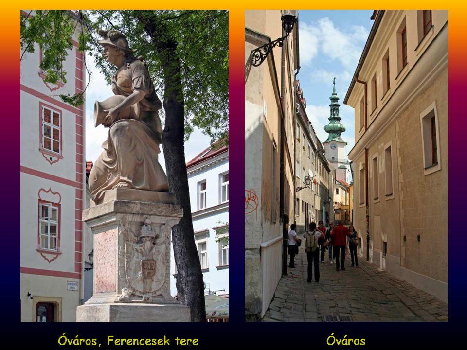 Óváros, Ferencesek tere