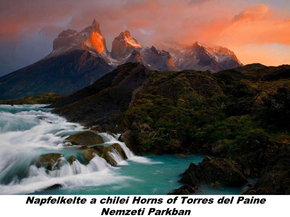 Napfelkelte a chilei Horns of Torres del Paine Nemzeti Parkban