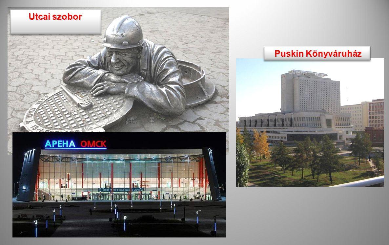 Utcai szobor Puskin Könyváruház