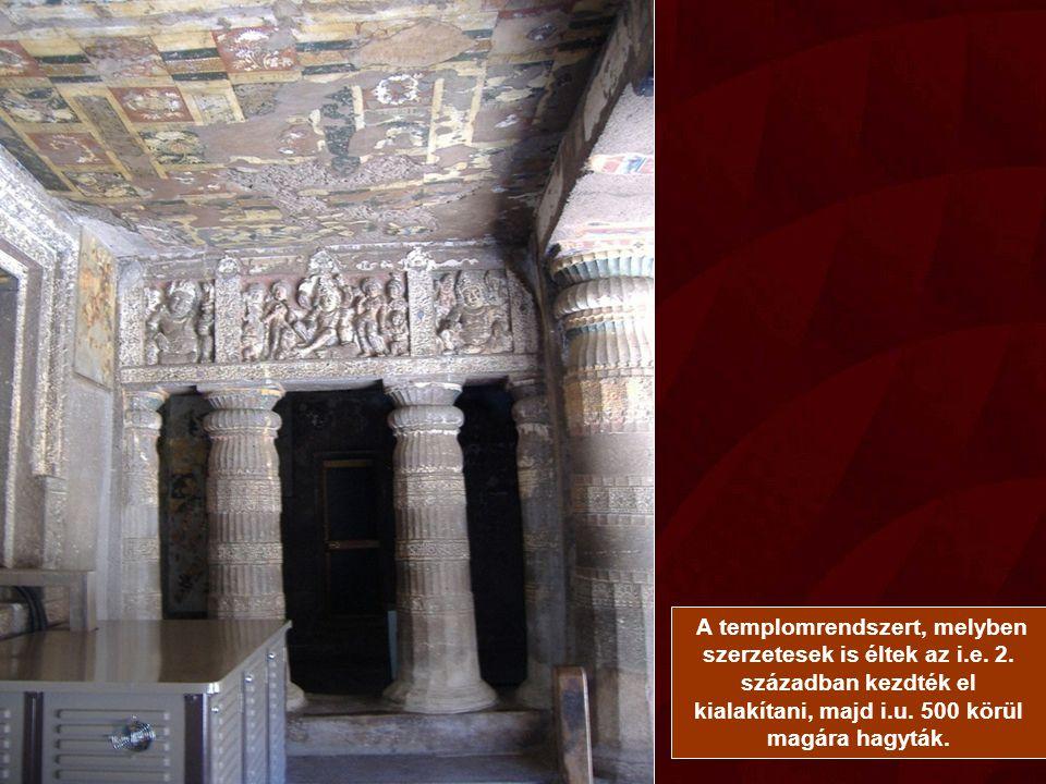 A templomrendszert, melyben szerzetesek is éltek az i. e. 2