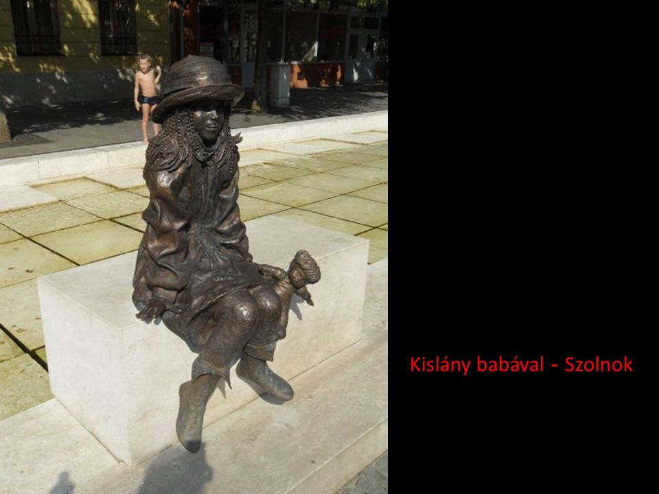 Kislány babával - Szolnok