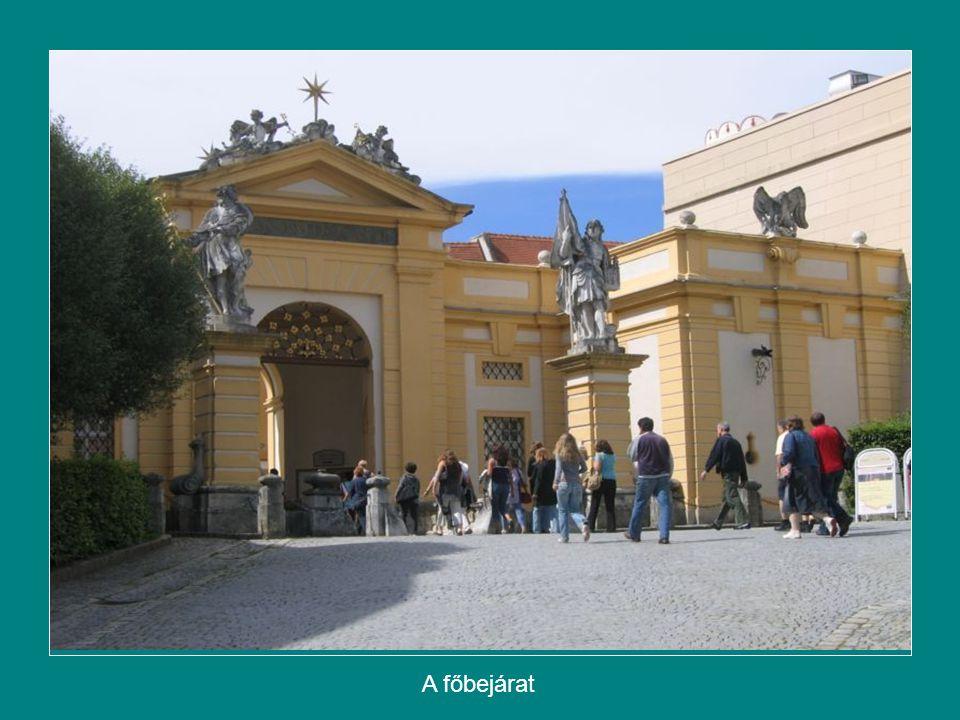 A főbejárat