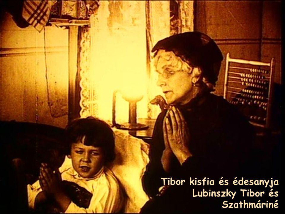 Tibor kisfia és édesanyja