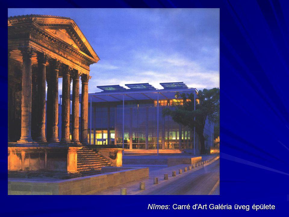 Nîmes: Carré d Art Galéria üveg épülete