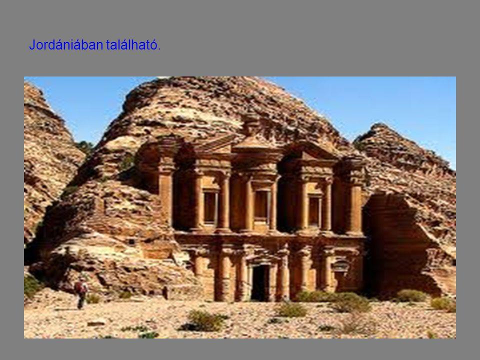 Jordániában található.