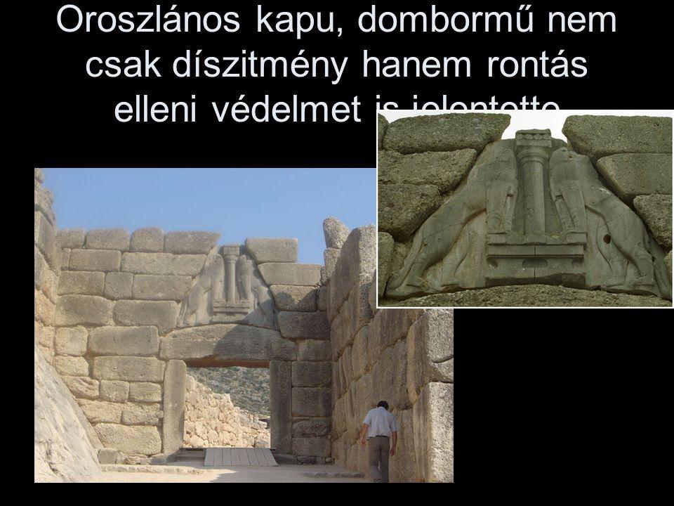 Oroszlános kapu, dombormű nem csak díszitmény hanem rontás elleni védelmet is jelentette