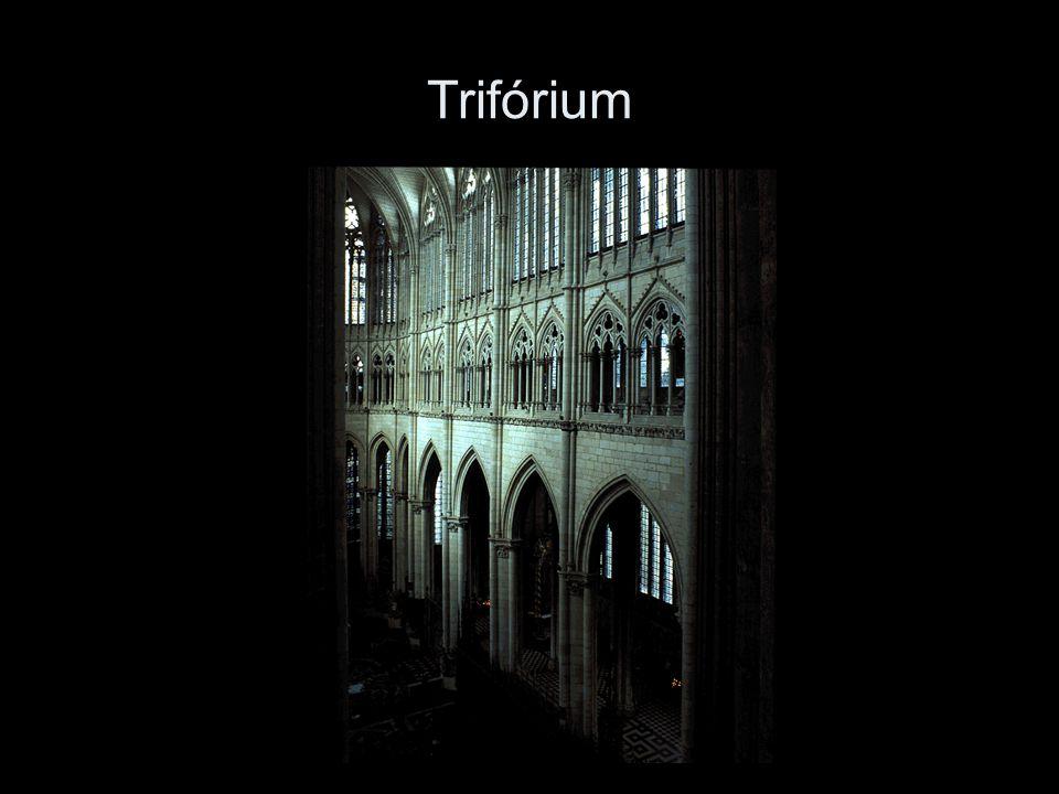 Trifórium