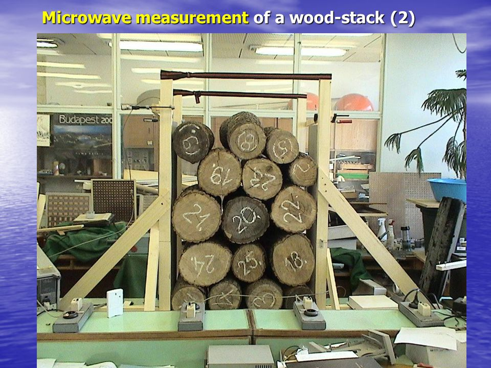 Microwave measurement of a wood-stack (2)