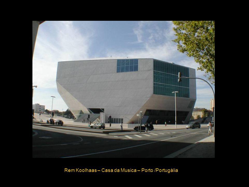 Rem Koolhaas – Casa da Musica – Porto /Portugália