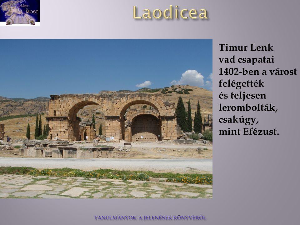 Timur Lenk vad csapatai 1402-ben a várost felégették.
