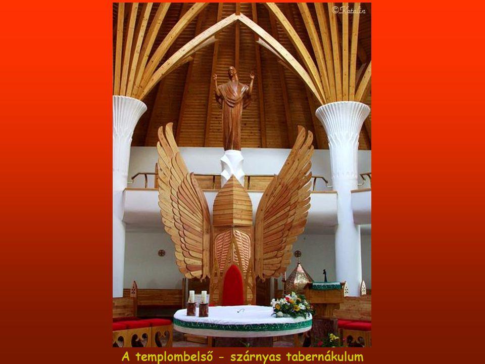 A templombelső - szárnyas tabernákulum