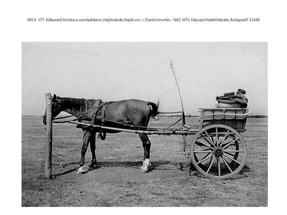 MN II. 177. Kétkerekű bricska a csordaálláson, Hajdúnánás (Hajdú vm