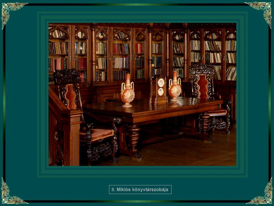 II. Miklós könyvtárszobája