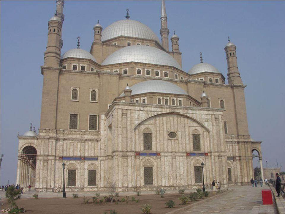 Muhammad Ali mecset A kairói Citadella ékköve a Muhammad Ali uralkodó parancsára 1824-1857 között épült mecset.