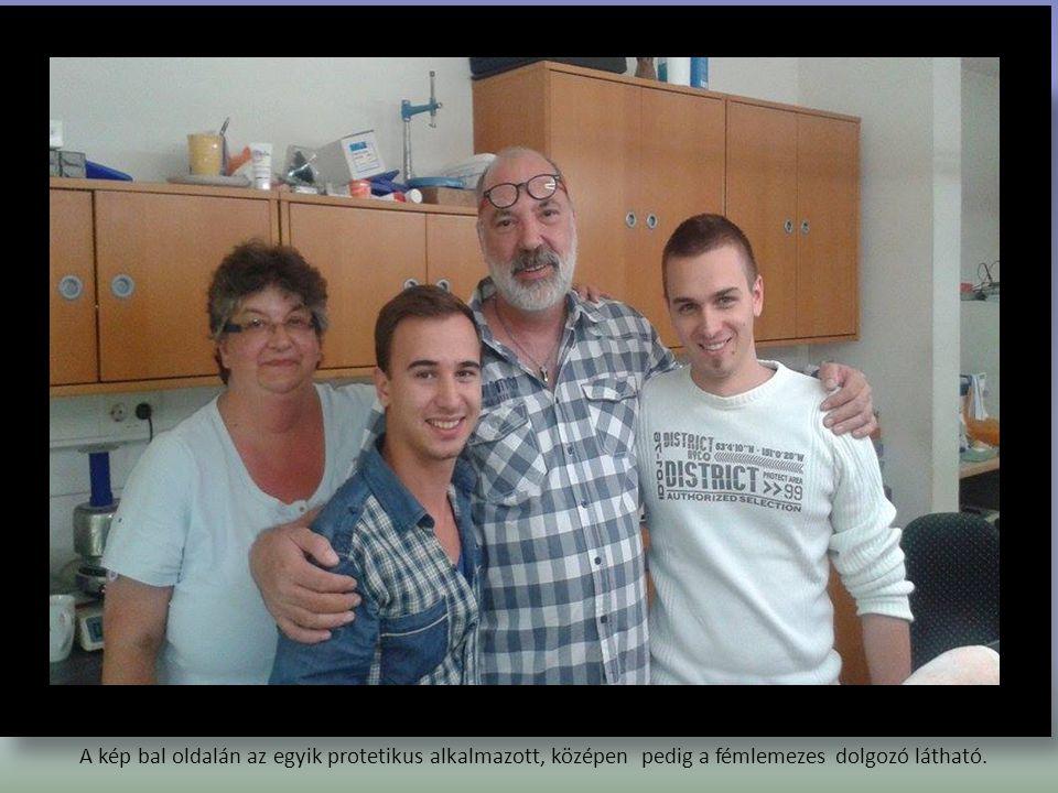 A kép bal oldalán az egyik protetikus alkalmazott, középen pedig a fémlemezes dolgozó látható.
