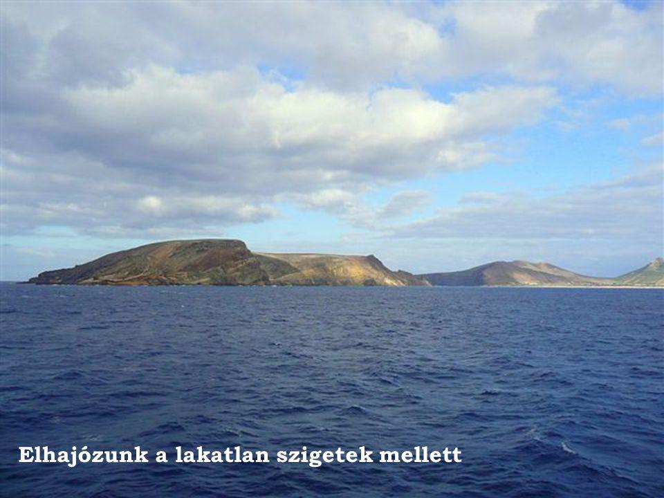 Elhajózunk a lakatlan szigetek mellett