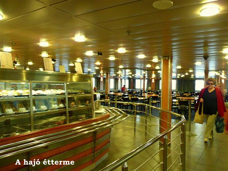 A hajó étterme 29