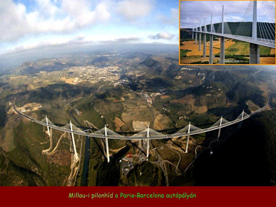 Millau-i pilonhíd a Paris-Barcelona autópályán