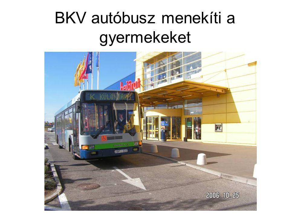 BKV autóbusz menekíti a gyermekeket
