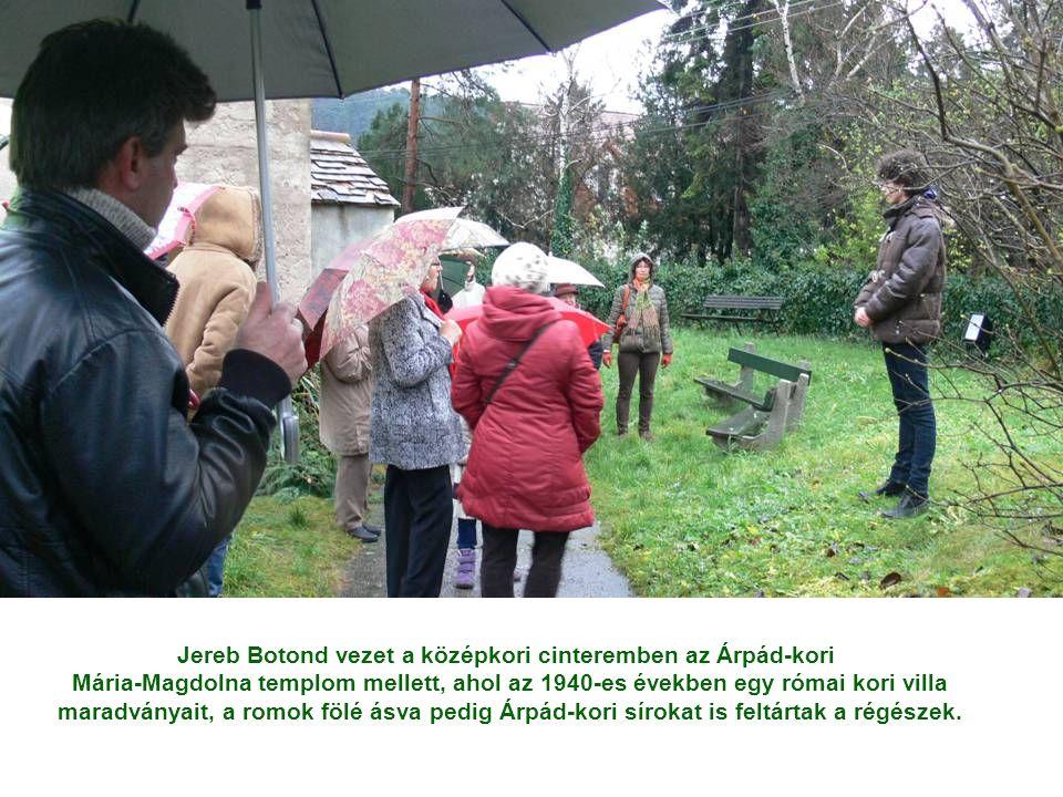 Jereb Botond vezet a középkori cinteremben az Árpád-kori