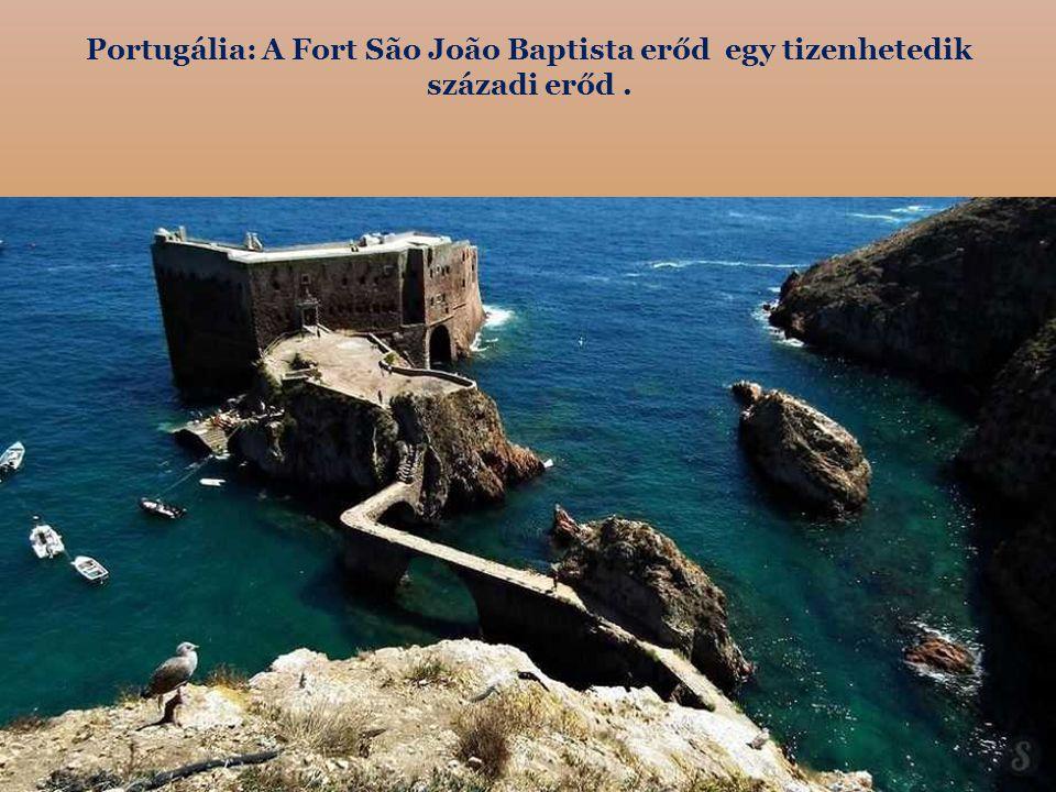 Portugália: A Fort São João Baptista erőd egy tizenhetedik századi erőd .