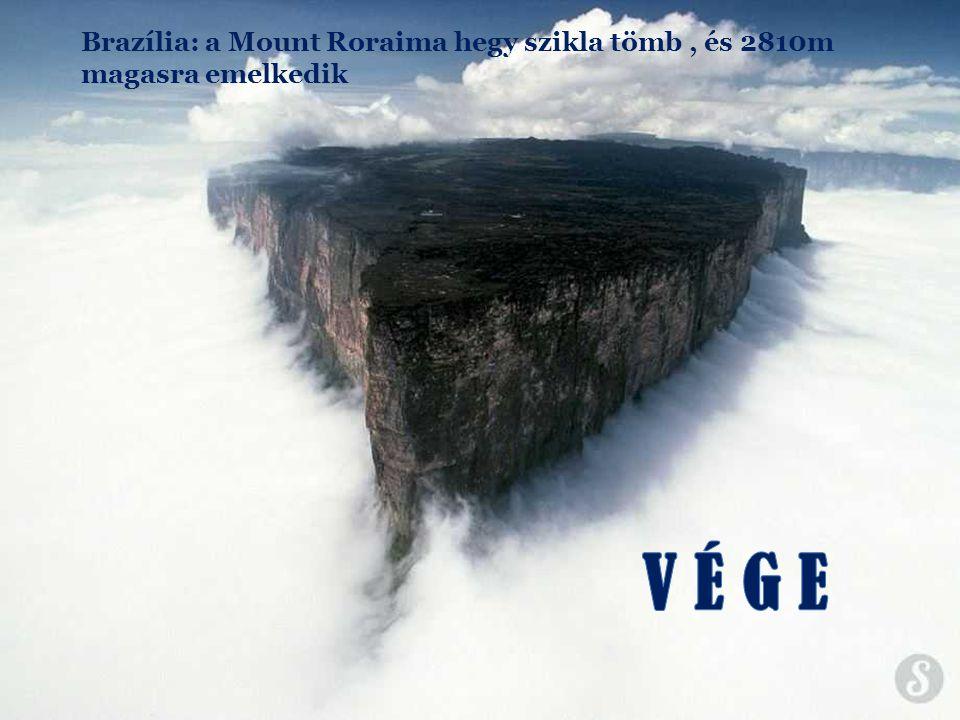 Brazília: a Mount Roraima hegy szikla tömb , és 2810m magasra emelkedik