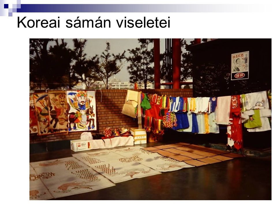 Koreai sámán viseletei