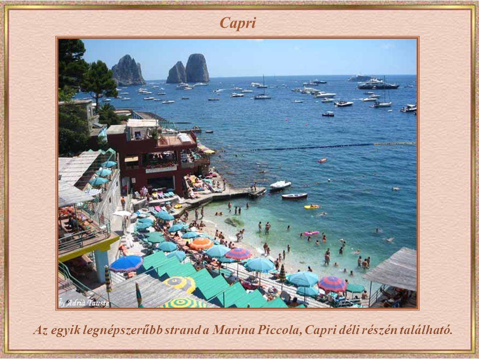 Capri Az egyik legnépszerűbb strand a Marina Piccola, Capri déli részén található.