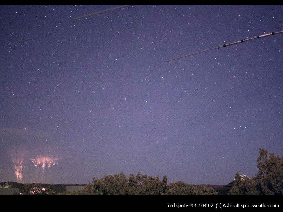 red sprite 2012.04.02. (c) Ashcraft spaceweather.com