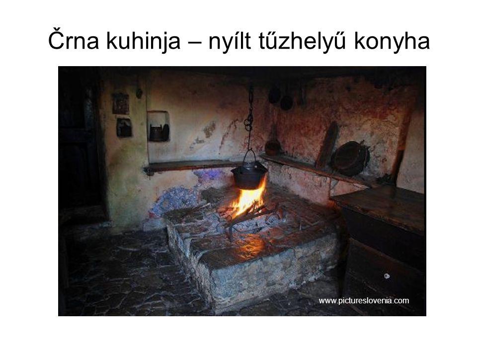 Črna kuhinja – nyílt tűzhelyű konyha